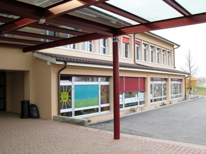 Transformation et agrandissement d'un collège à Reverolle